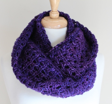 Bulky Lace Cowl Short
